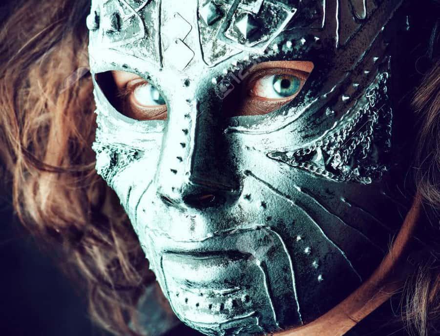 Prisonnier d'un masque